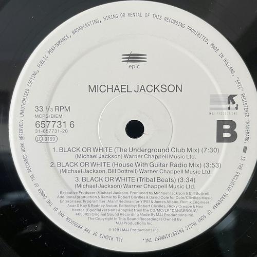 Michael Jackson – Brack Or White- A