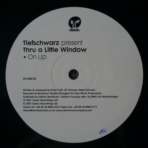 Tiefschwarz-Thru-A-Little-Window-A